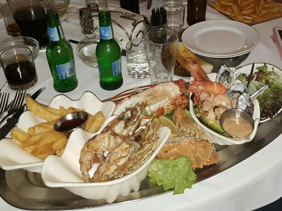 Ashmore Seafood and Steakhouse - Accommodation Melbourne