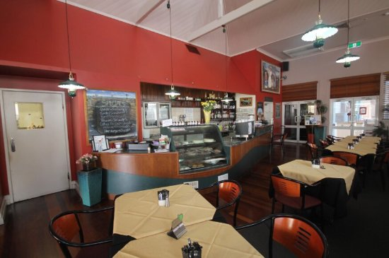 Henry's Cafe and Restaurant - Accommodation Melbourne