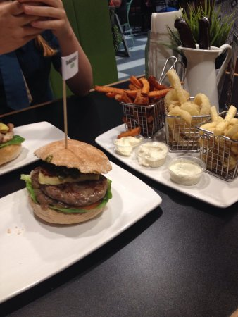 Burger Urge - Accommodation Melbourne