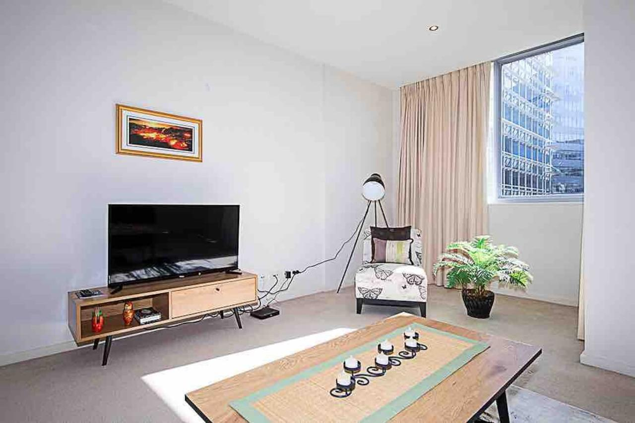 Spacious 1BR Stylish New Acton Apartment Parking - Accommodation Melbourne