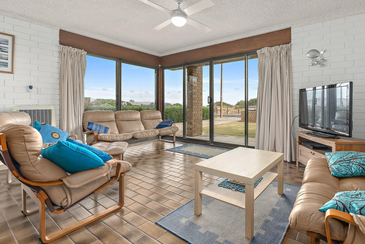 Sun  Surf Aldinga Beach Apartment - Accommodation Melbourne