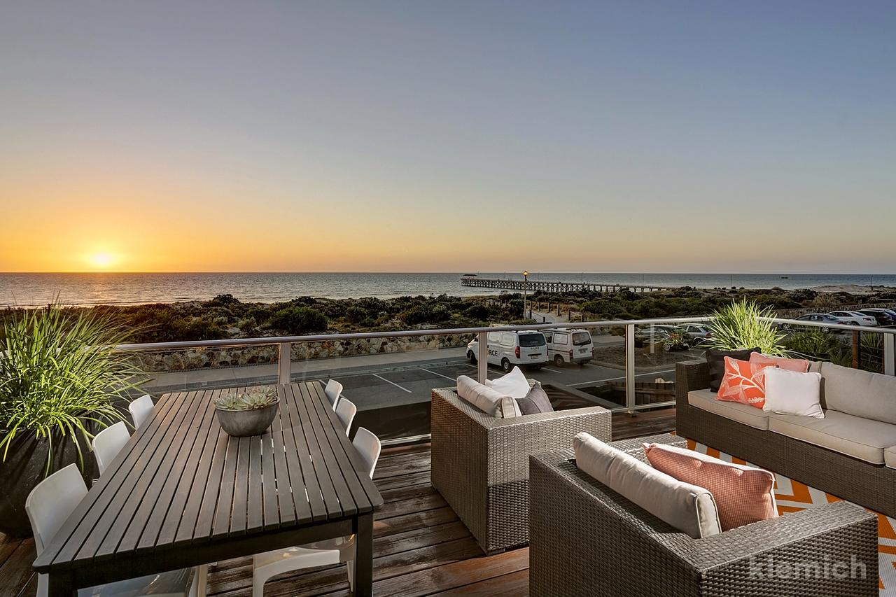The Beach House  Grange - Accommodation Melbourne