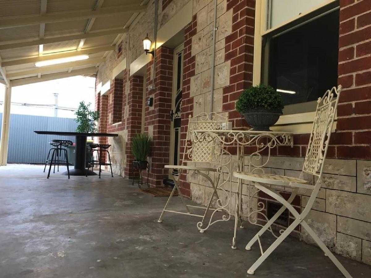 Two Cow Cottage Bed  Breakfast - Accommodation Melbourne