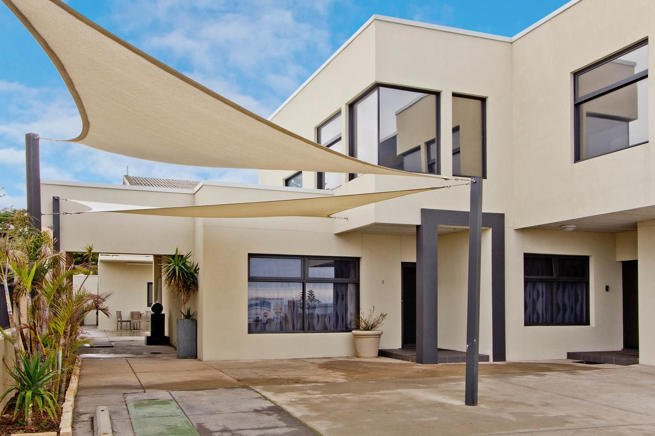Atlantic West Beach Apartments - Accommodation Melbourne