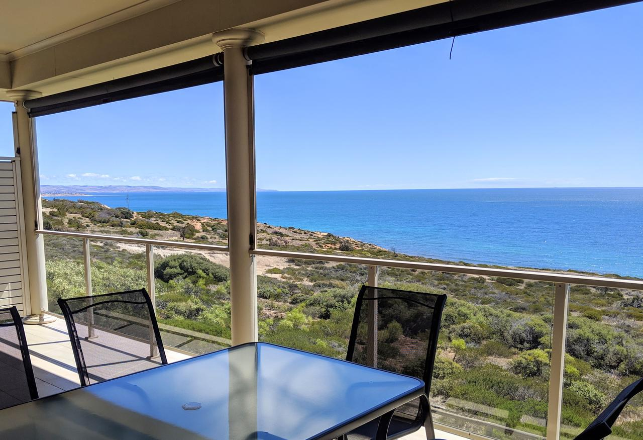 Ochre Point Beach House on Moana Seafront - Accommodation Melbourne