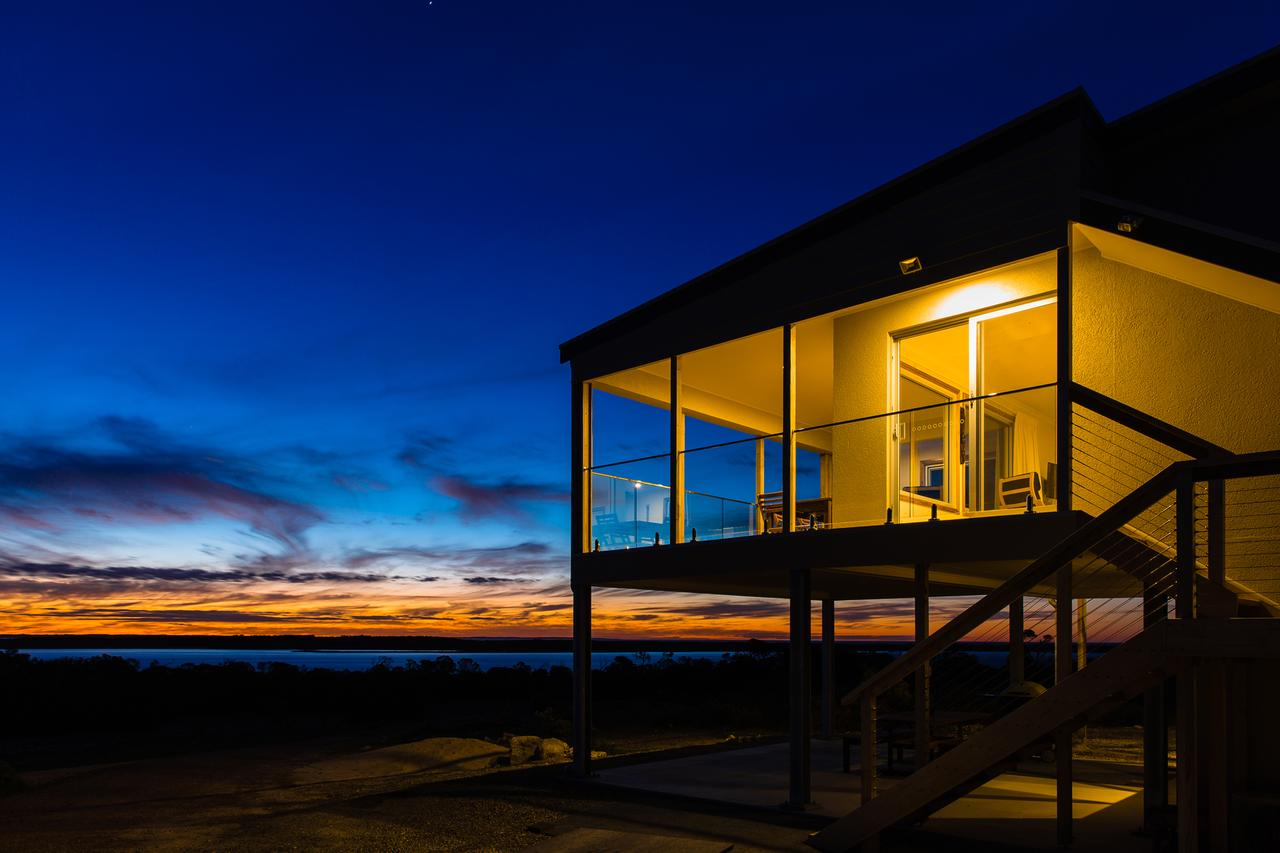 Southern Ocean Lookout - Accommodation Melbourne