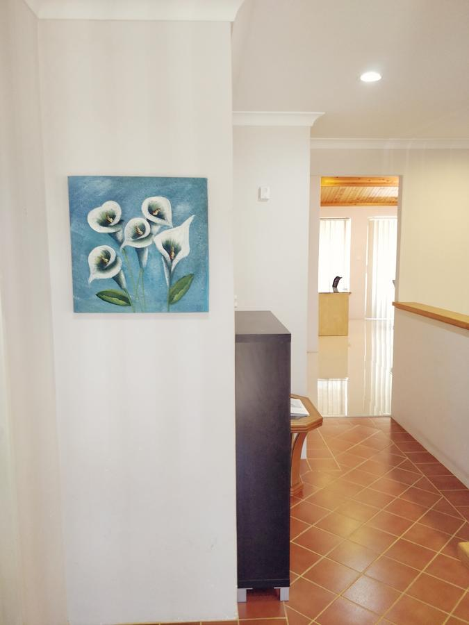 Cosy easy access home near Perth CBD and Fremantle - Accommodation Melbourne