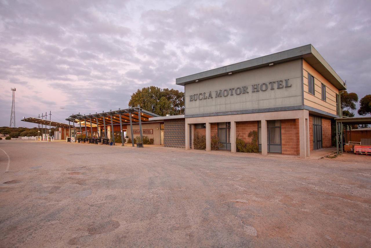 EUCLA MOTOR HOTEL - Accommodation Melbourne