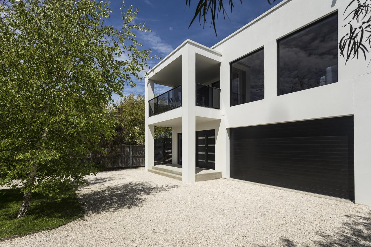 Pearl Hawley Beach - Accommodation Melbourne