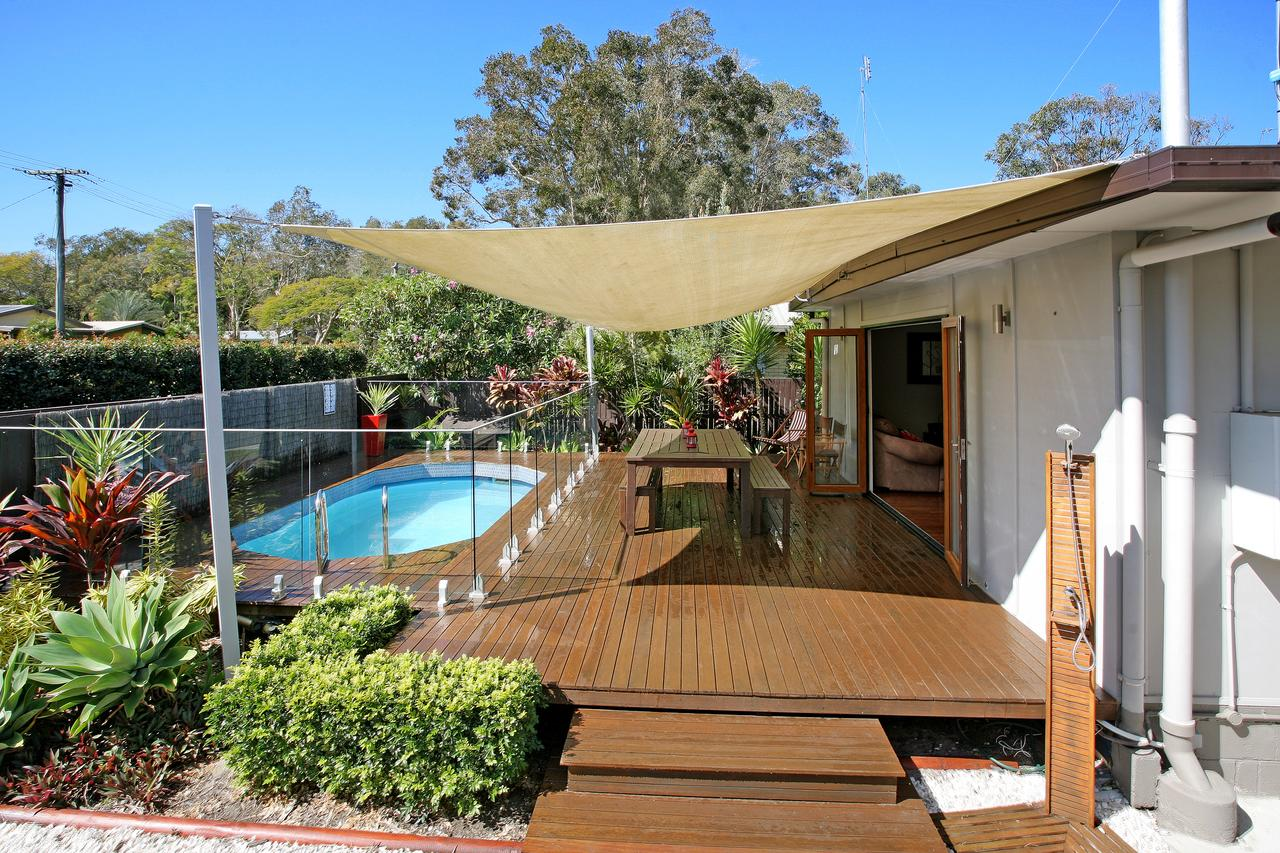Beach House on Jones Parade Central Coolum Beach - Accommodation Melbourne