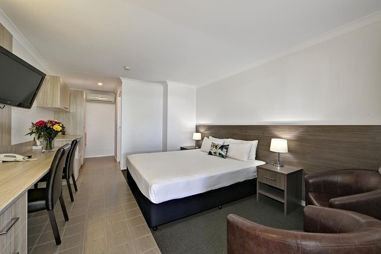 Smart Motels Bert Hinkler - Accommodation Melbourne