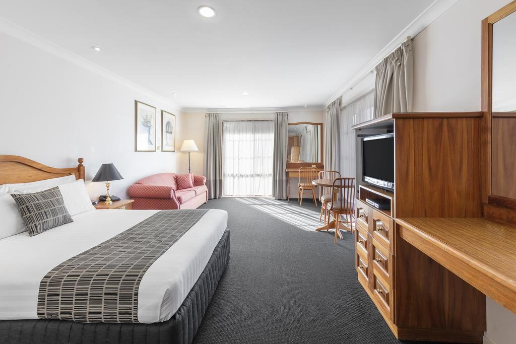 Best Western Ambassador Motor Inn  Apartments - Accommodation Melbourne